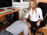 Under Feet :: Russian Foot Domination Club!